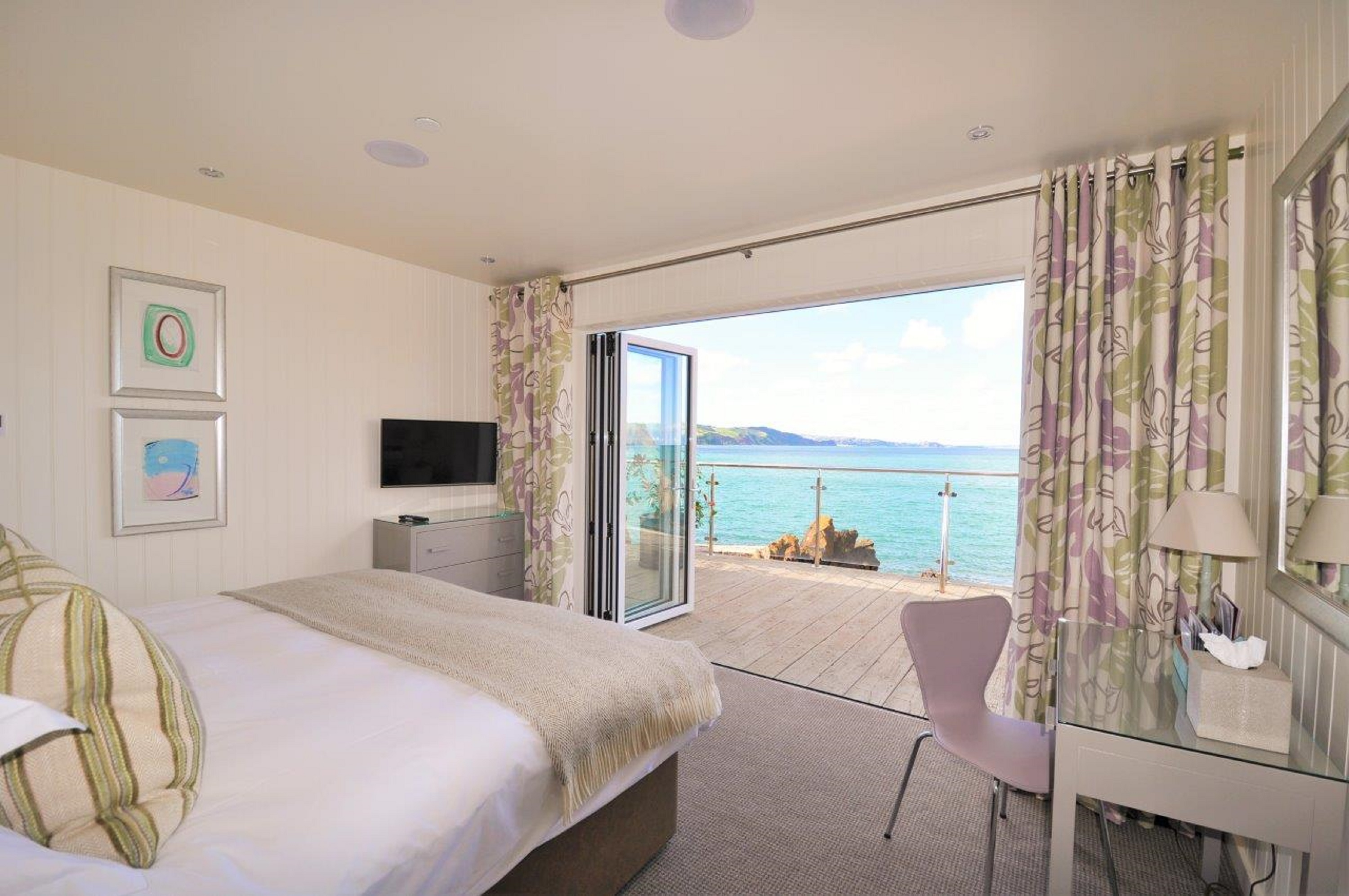 cary arms beach suite torquay