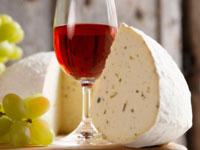 vineyard tour - wine with cheese